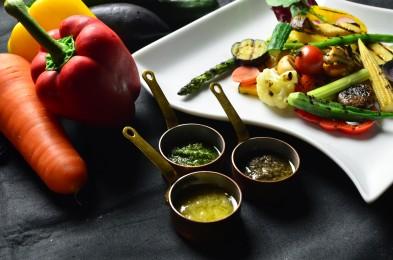 3種のソースで味わうオロビアンコ特製バーニャカウダ